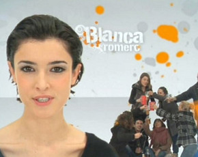 Blanca Romero debuta como reportera en 'PUNTODOC' con 'Jóvenes: entre copas'