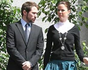 Manuel Martos, hijo del cantante Raphael y su novia, Amelia, hija de José Bono, se casan el 27 de junio en Toledo