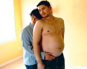 El 1º hombre embarazado: 'mi mujer me inseminó en casa'