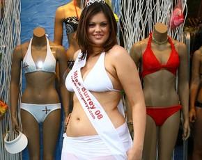 'Vivan los kg' Chloe Marshall primera Miss de 1,80 cm y 80 kg
